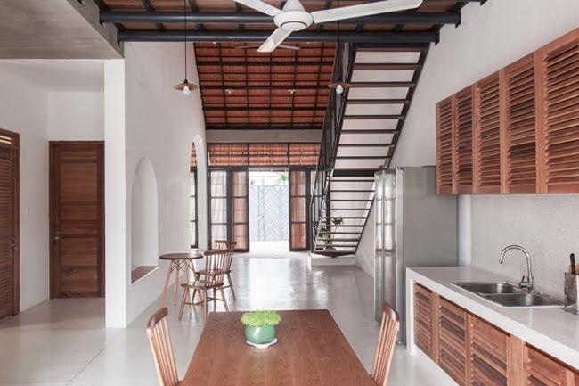 Kinh doanh - Biệt thự mái ngói ở TP.HCM gợi ý kiến trúc mới mẻ cho những căn nhà phố - 4